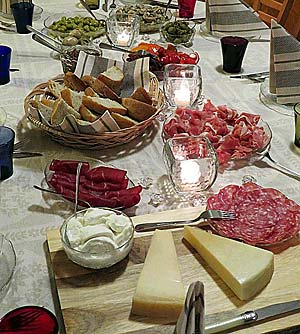 Antipasto-pöytä