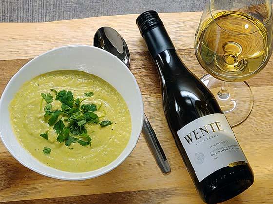 Avokadokeitto ja Wente Vineyards Chardonnay
