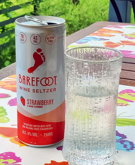 Barefoot Wine Seltzer Strawberry Guava