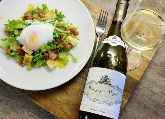 Lyonin salaatti ja Albert Bichot Bourgogne Aligoté