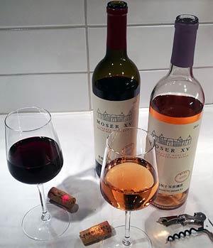Moser XV -sarjan punaviini ja roseeviini