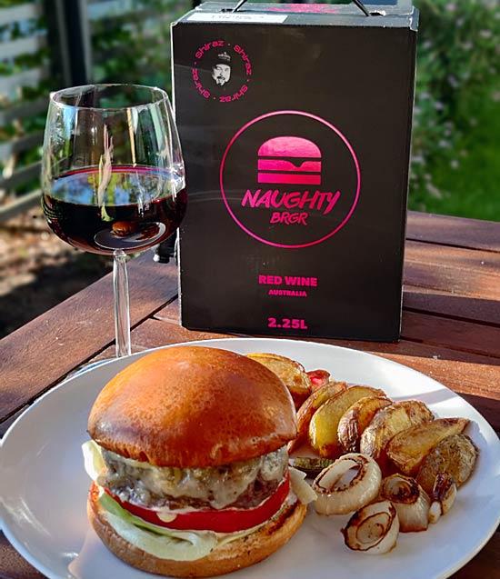 Naughty Brgr Red Wine ja burgeri