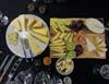 Juustoja ja hedelmiä