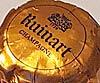 Ruinart Blanc de Blanc Champagne -pullon kaula ja kapseli