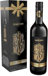 [kuva: Hardys Brave New World Shiraz Black Edition 2016 lahjapakkaus(© Alko)]