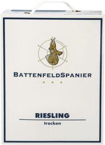 [kuva: Battenfeld Spanier Riesling Trocken 2020 hanapakkaus(© Alko)]