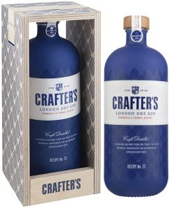 [kuva: Crafter's London Dry Gin lahjapakkaus(© Alko)]