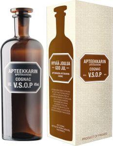 [kuva: Apteekkarin Cognac VSOP lahjapakkaus(© Alko)]