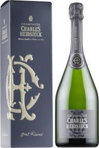 [kuva: Charles Heidsieck Réserve Champagne Brut lahjapakkaus(© Alko)]