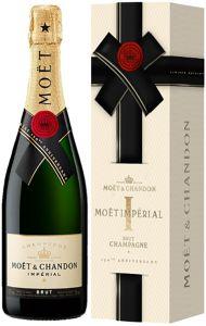 [kuva: Moët & Chandon Impérial Champagne Brut lahjapakkaus(© Alko)]