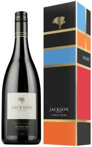 [kuva: Jackson Estate Vintage Widow Pinot Noir 2014 lahjapakkaus(© Alko)]