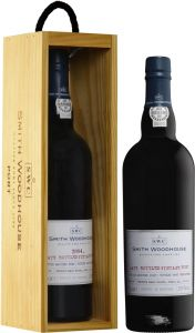 [kuva: Smith Woodhouse Late Bottled Vintage Port 2007 lahjapakkaus(© Alko)]