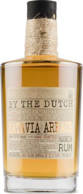 [kuva: By the Dutch Batavia Arrack Indonesia Rum(© Alko)]
