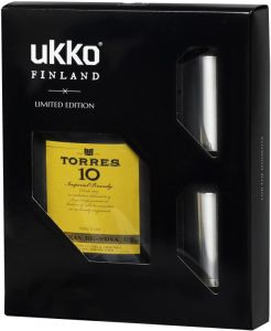 [kuva: Torres 10 Brandy 50cl UKKO -lahjapakkaus muovipullo(© Alko)]
