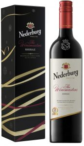[kuva: Nederburg The Winemasters Shiraz 2015 lahjapakkaus(© Alko)]